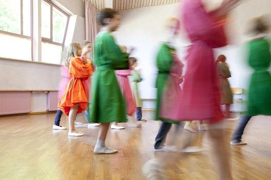 Der Eurythmieunterricht an unserer Schule – Elemente aus den jüngeren Jahrgängen
